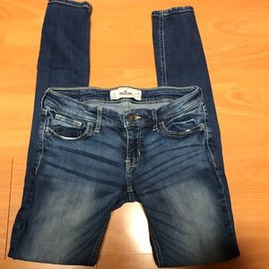 Medium wash Hollister Super Skinny Jeans